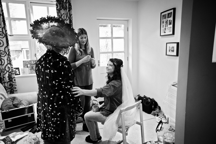 hertfordshire-christmas-wedding-photography-at-micklefield 06