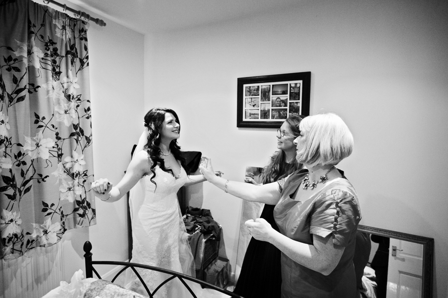 hertfordshire-christmas-wedding-photography-at-micklefield 09