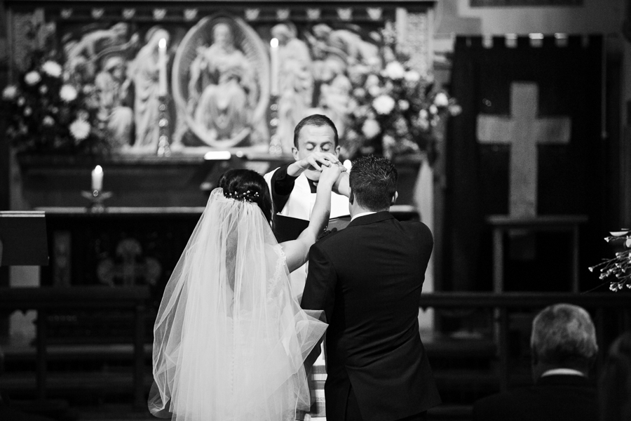 hertfordshire-christmas-wedding-photography-at-micklefield 20