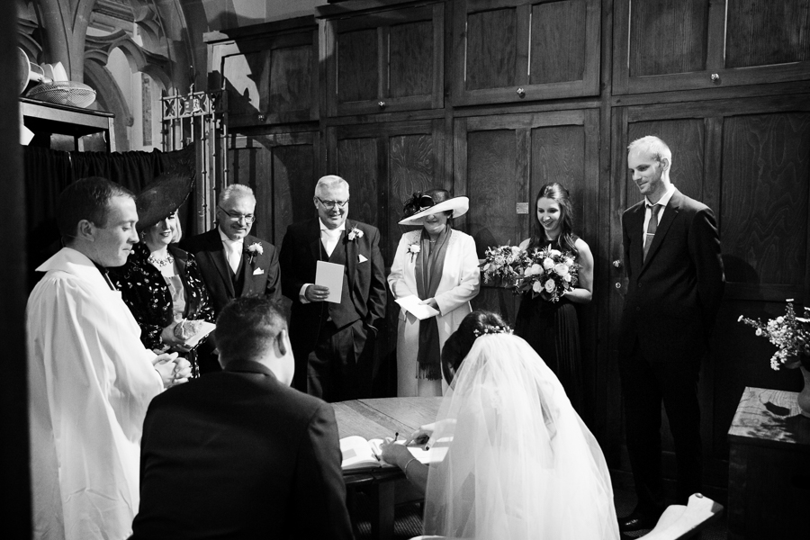 hertfordshire-christmas-wedding-photography-at-micklefield 26