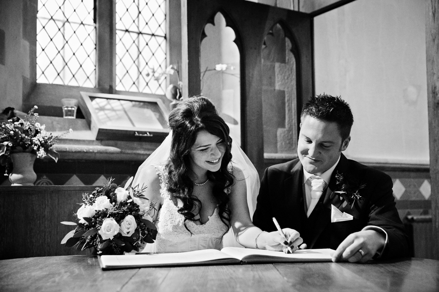 hertfordshire-christmas-wedding-photography-at-micklefield 27