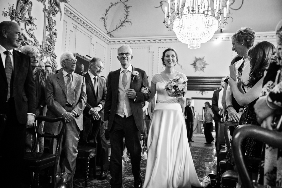 london-documentary-wedding-photography-at-stationers-hall 22