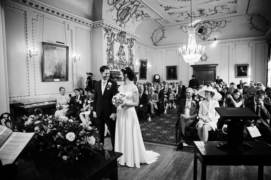 london-documentary-wedding-photography-at-stationers-hall 24