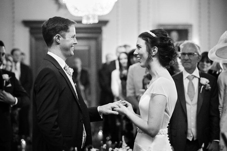 london-documentary-wedding-photography-at-stationers-hall 27
