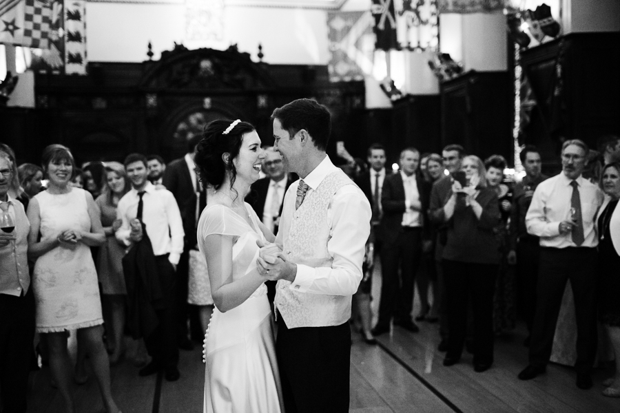 london-documentary-wedding-photography-at-stationers-hall 78