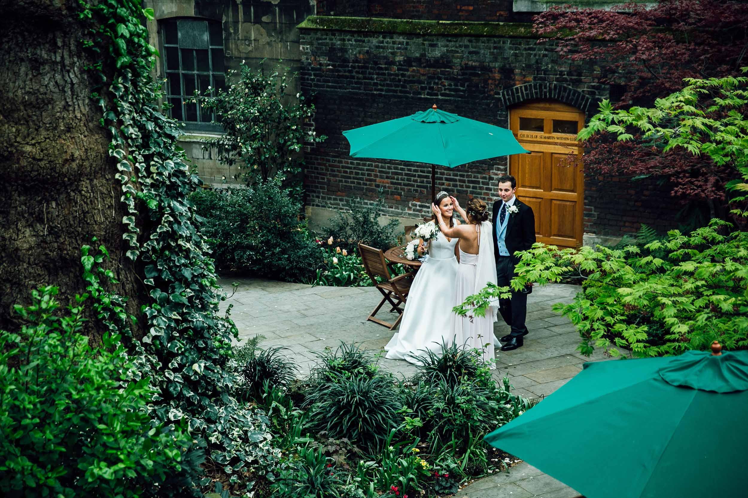 stationers-hall-wedding-photographer-london 083.jpg