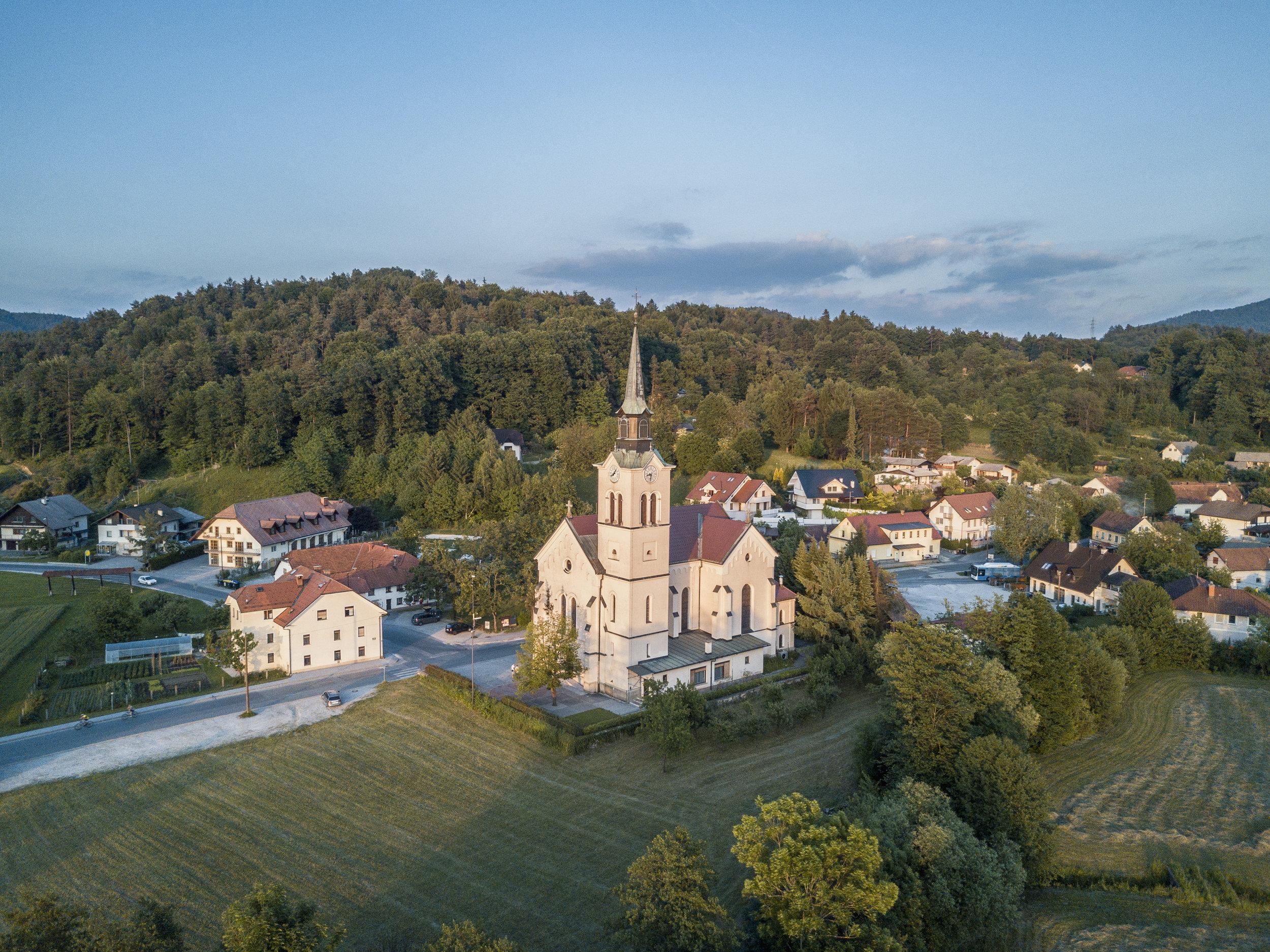Župnijska cerkev sv. Lenarta
