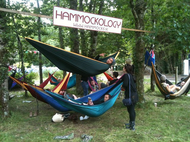 TTTM1833_hammock_parachute_TM_double_forest_tree_hammockology_friendly_outdoor_happiness_relax_ticket_to_the_moon.JPG