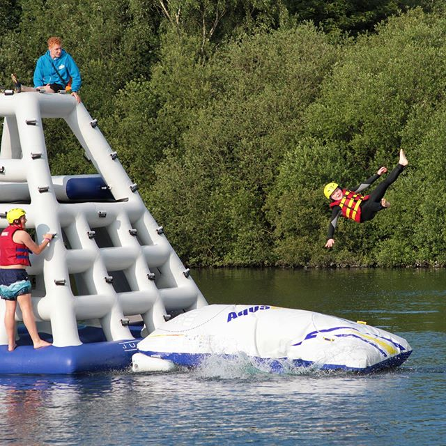 ☀️Opening hours this weekend☀️ 10am to 6pm #bookonline #onlinediscount #aquapark #lincolnaquapark #inflatablewaterpark #blast #lincoln #lincolnshire 👉www.lincolnwaterpark.co.uk