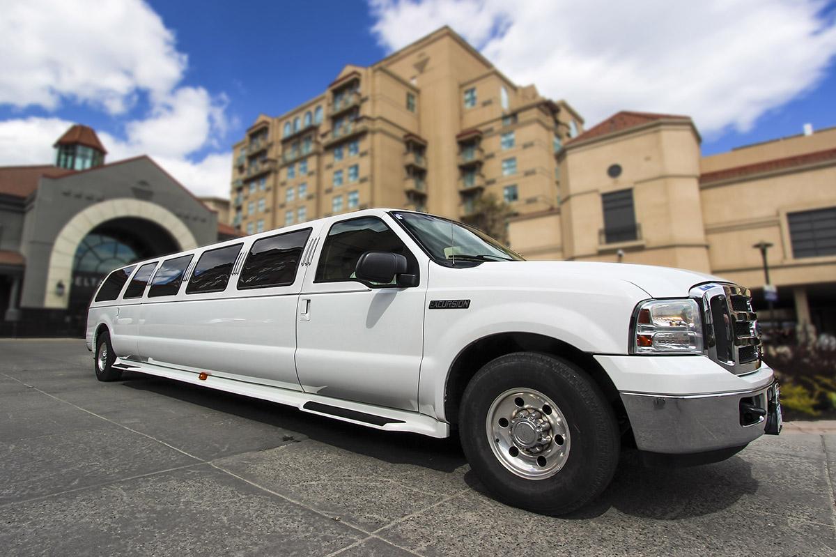 Kelowna Limo Stretch SUV White Star