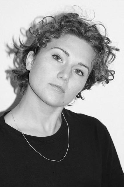 ALINA HAGENSCHULTE - // Schauspiel