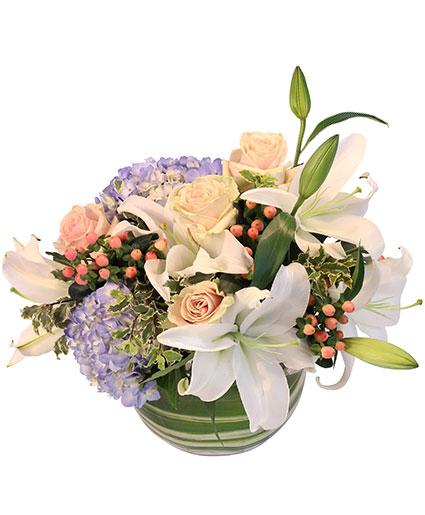 aura-of-winter-floral-design-VA043218.425.jpg