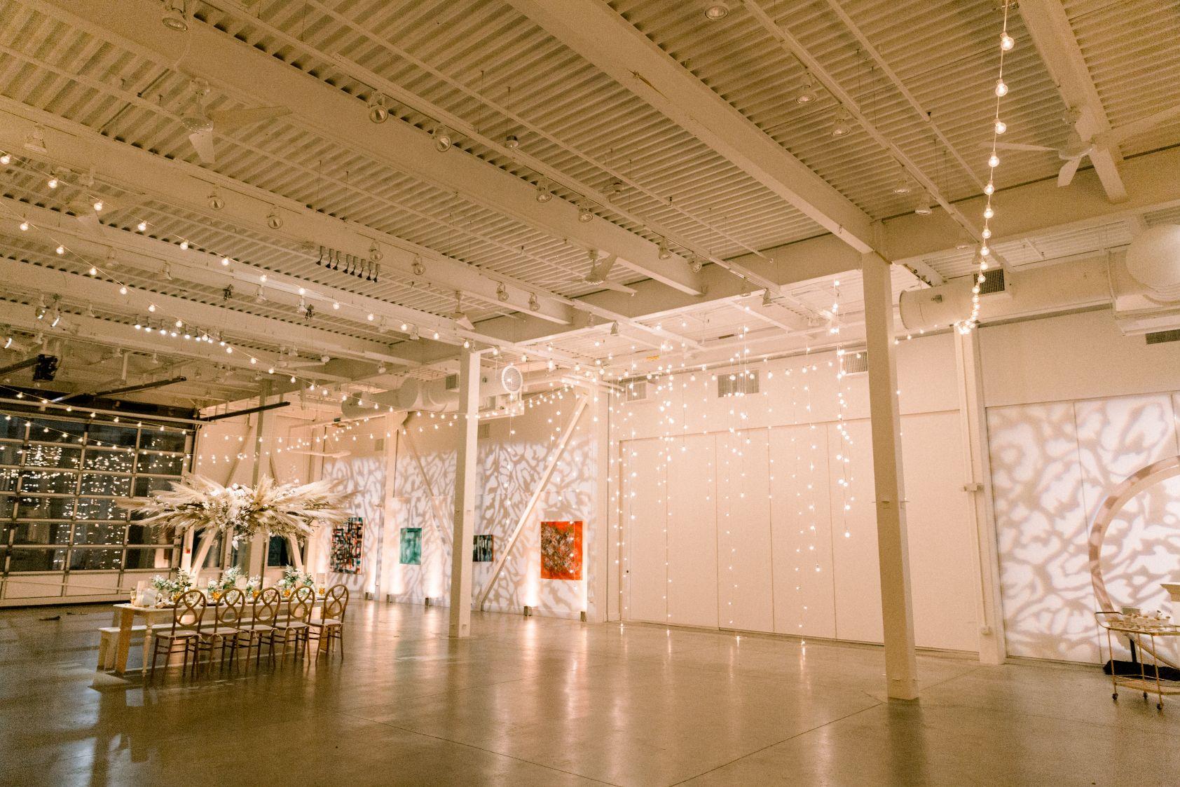 artists-for-humanity-industrial-bohemian-wedding-daylynn-designs400.jpg