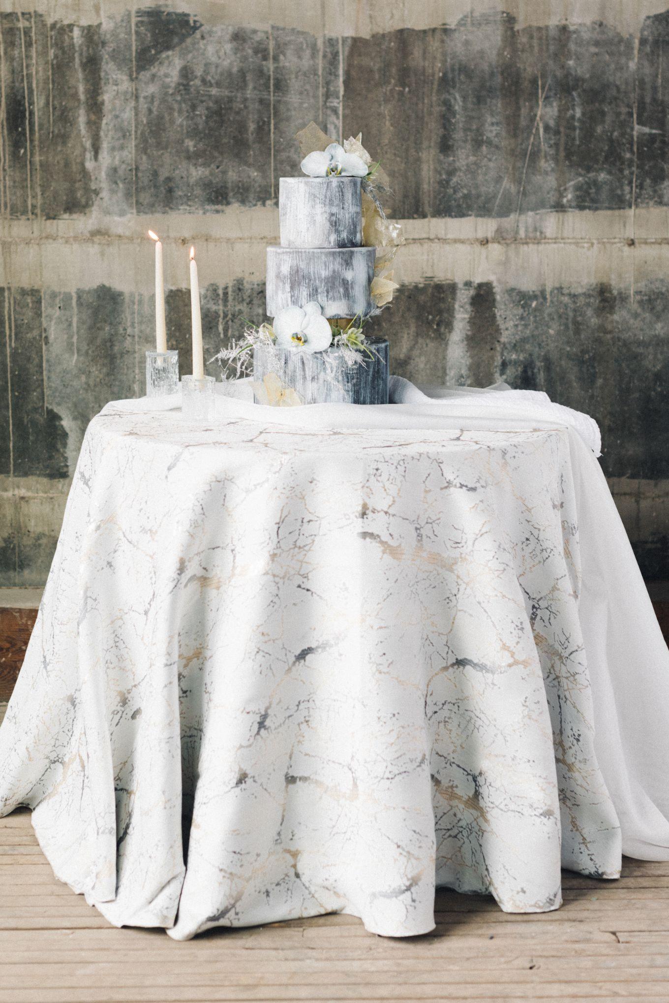 olio-peabody-boston-lesbian-wedding-style-daylynn-designs5.jpg