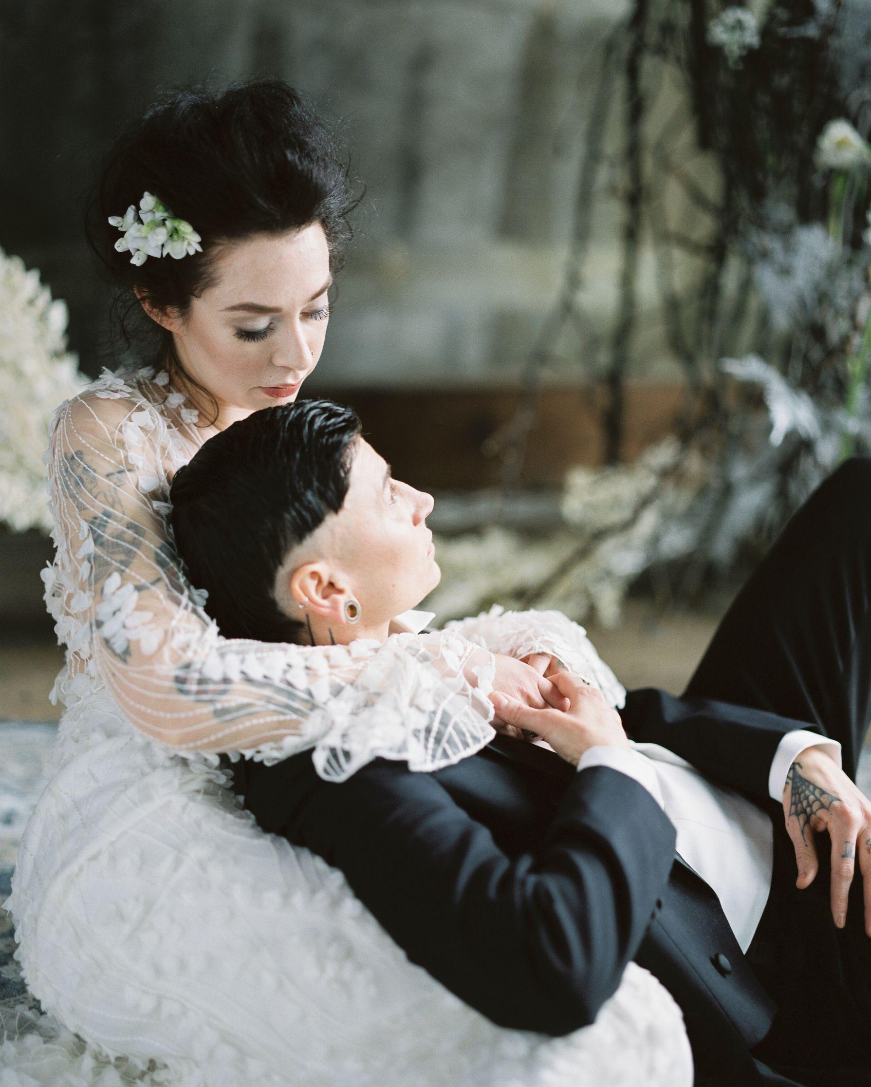 olio-peabody-boston-lesbian-wedding-style-daylynn-designs11 2.jpg