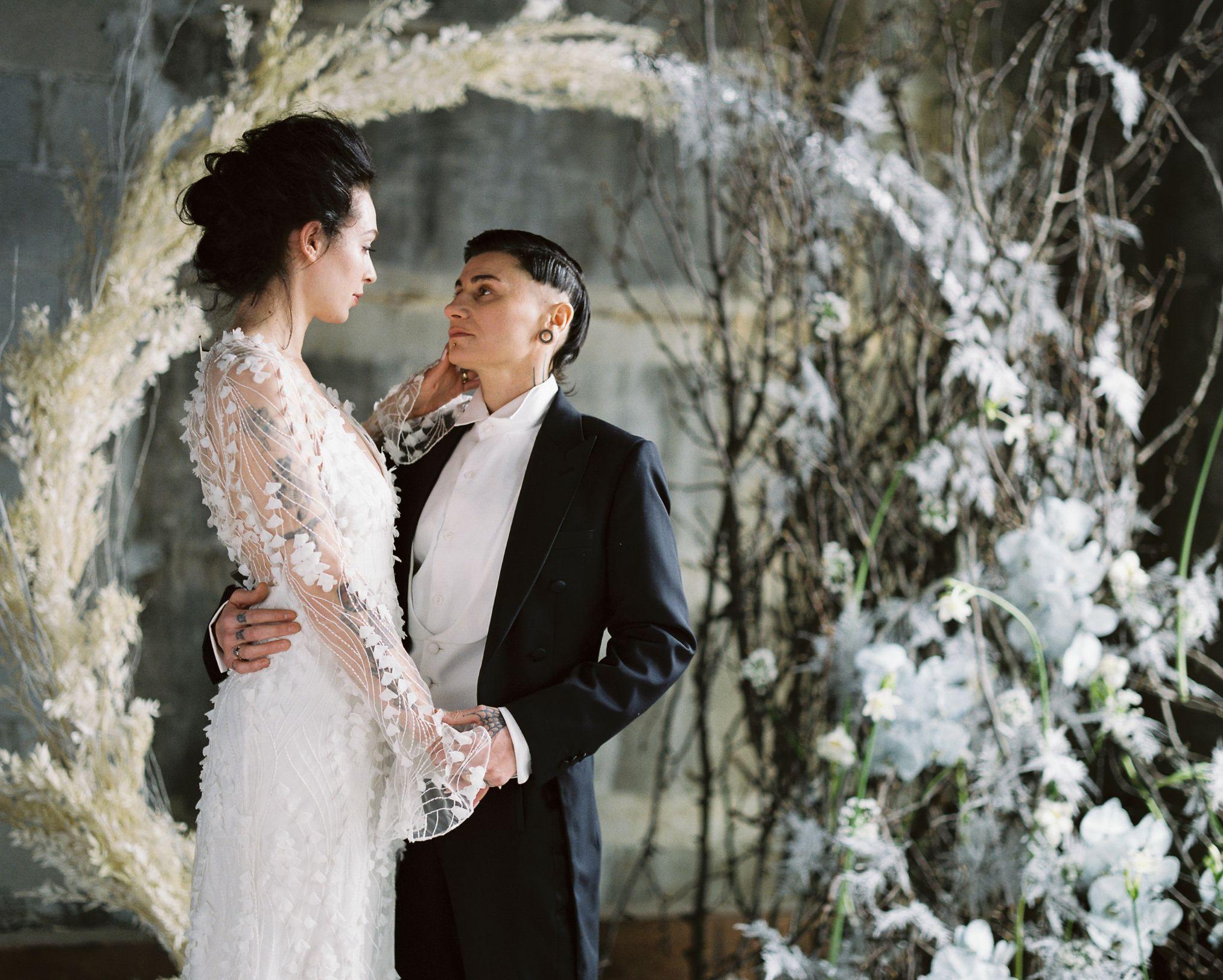 olio-peabody-boston-lesbian-wedding-style-daylynn-designs14 2.jpg