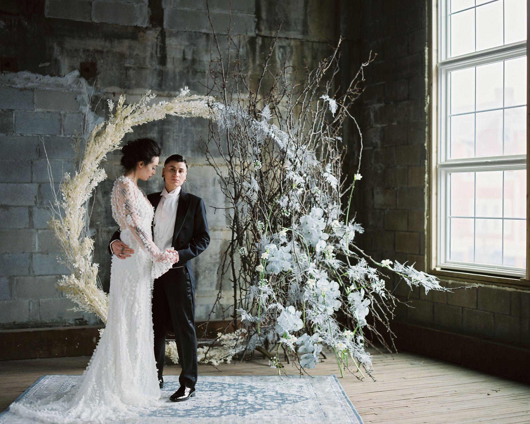 olio-peabody-boston-lesbian-wedding-style-daylynn-designs15.jpg