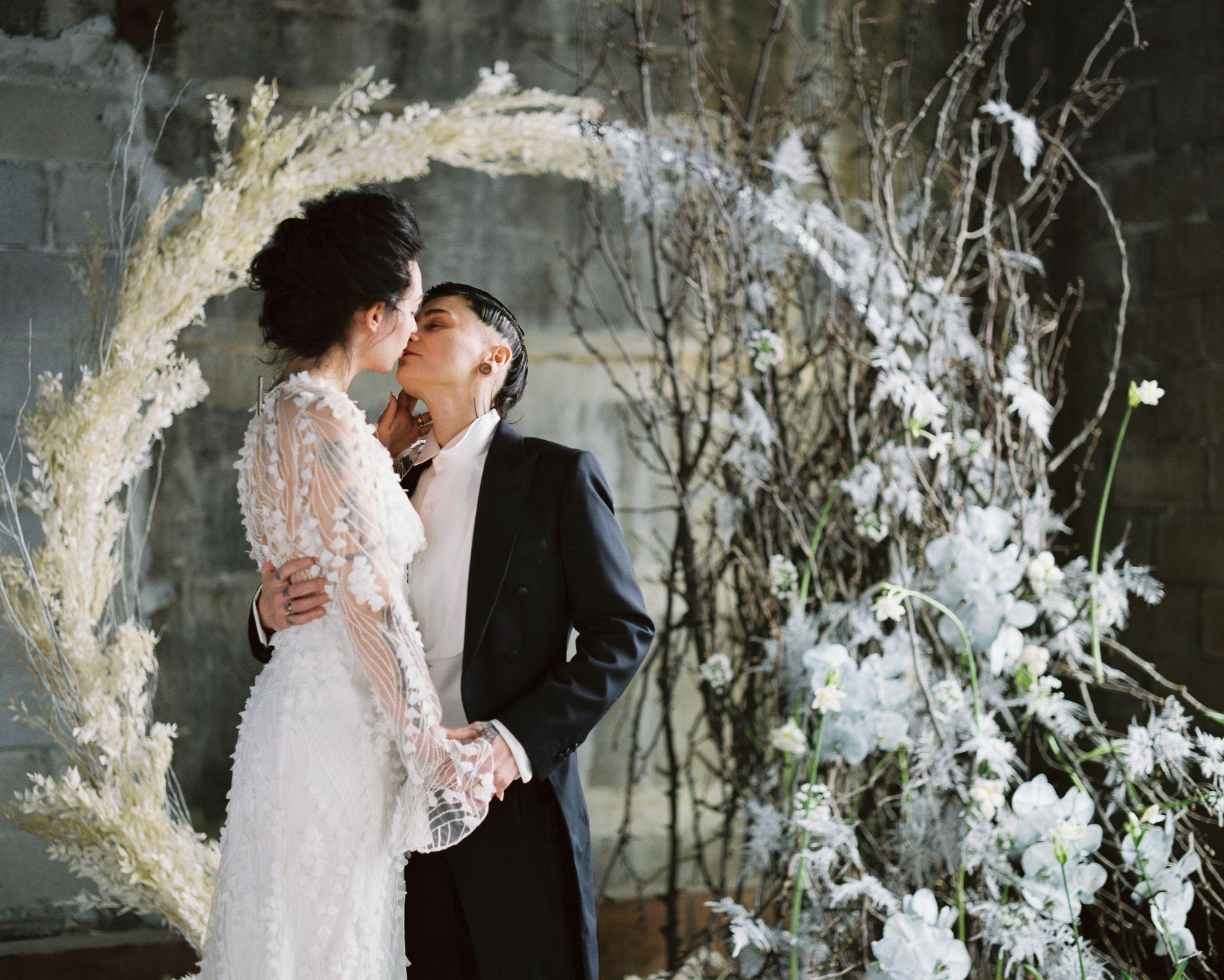 olio-peabody-boston-lesbian-wedding-style-daylynn-designs17 2.jpg