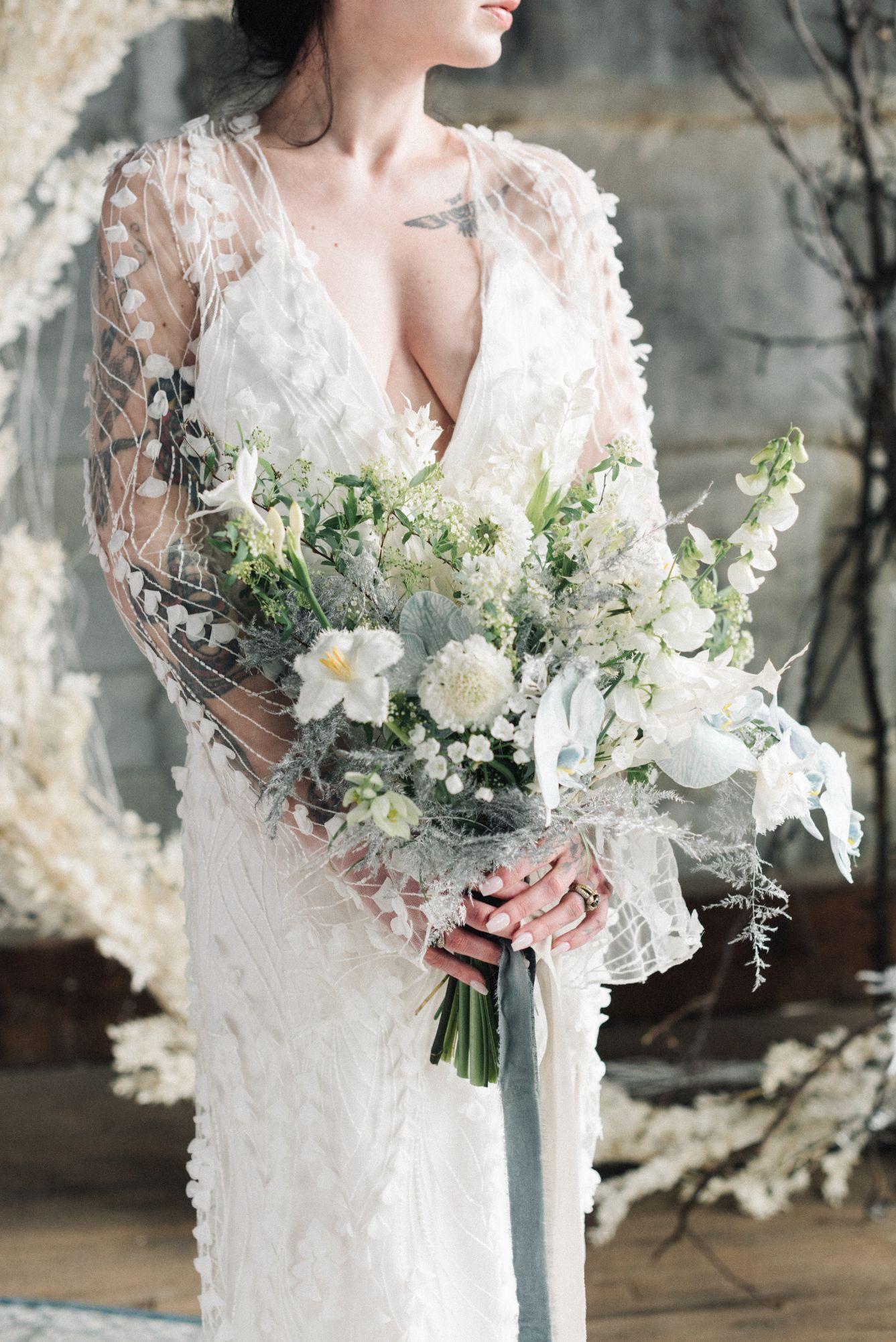 olio-peabody-boston-lesbian-wedding-style-daylynn-designs19.jpg