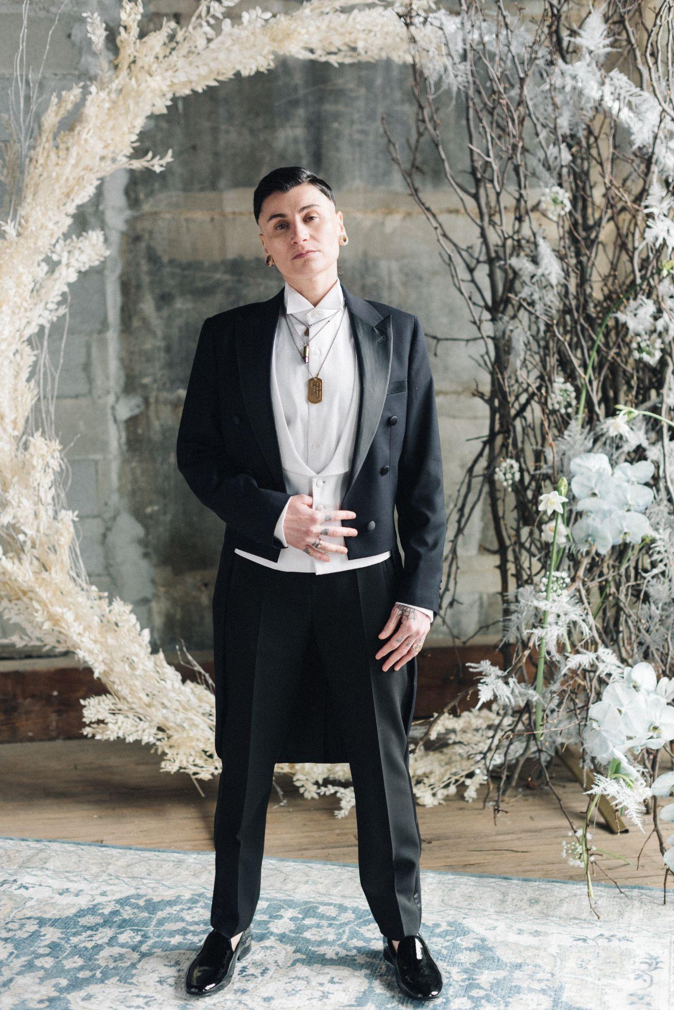olio-peabody-boston-lesbian-wedding-style-daylynn-designs30.jpg
