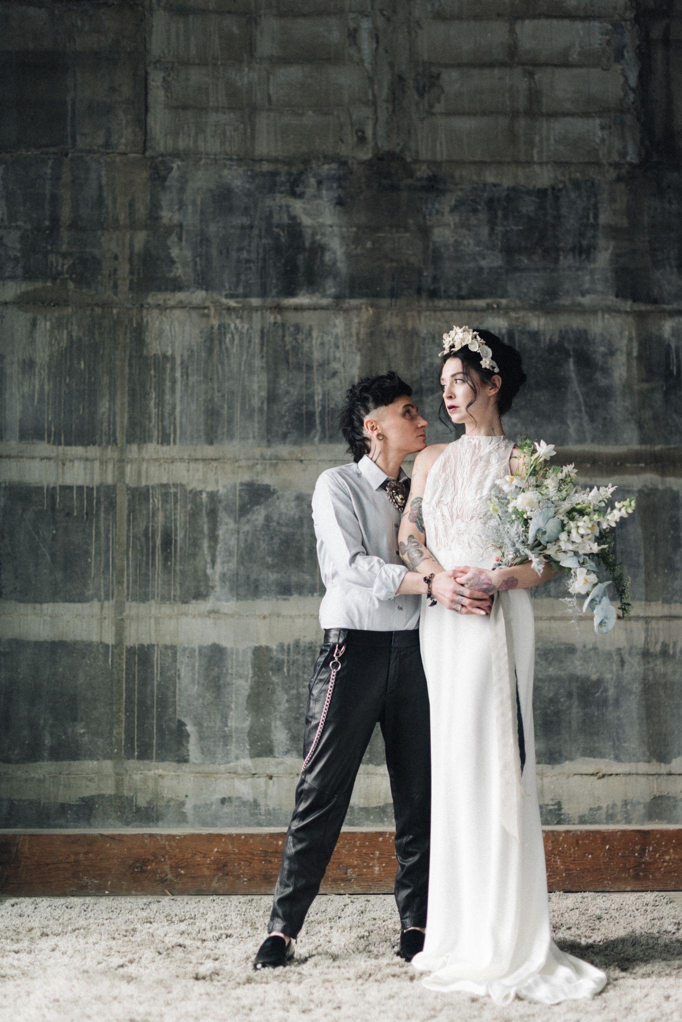 olio-peabody-boston-lesbian-wedding-style-daylynn-designs99.jpg