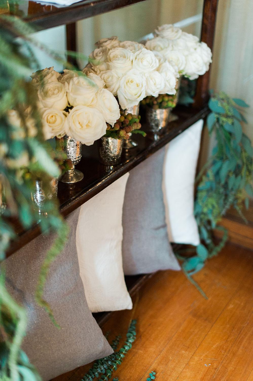 winter-glitz-wedding-inspiration-dane-estate-daylynn-designs33.jpg