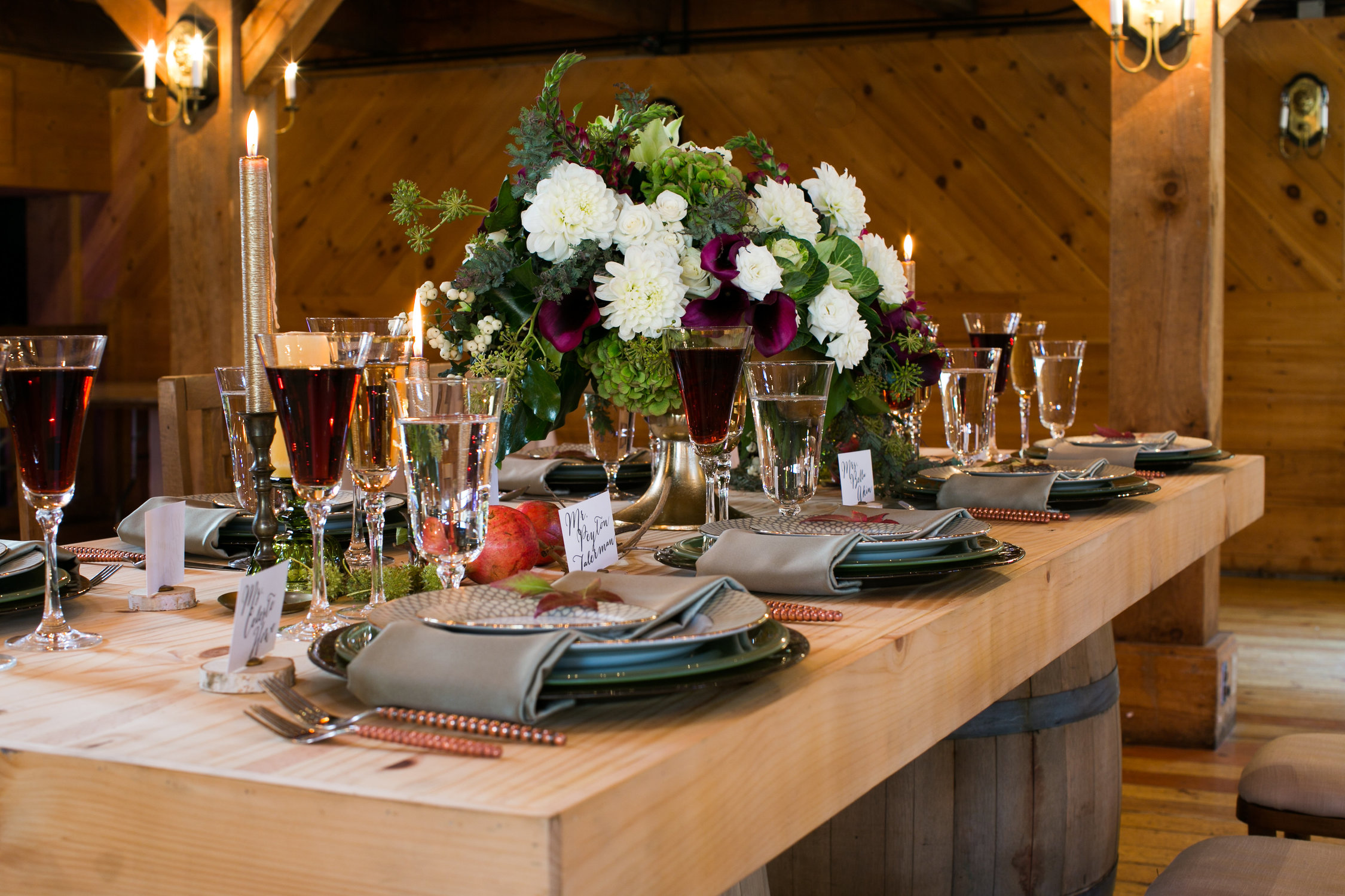 rustic-fall-friendsgiving-red-lion-cohasset-daylynn-designs092.jpg