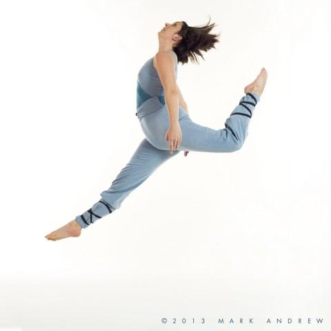 Isa Tobi Jumping.jpg