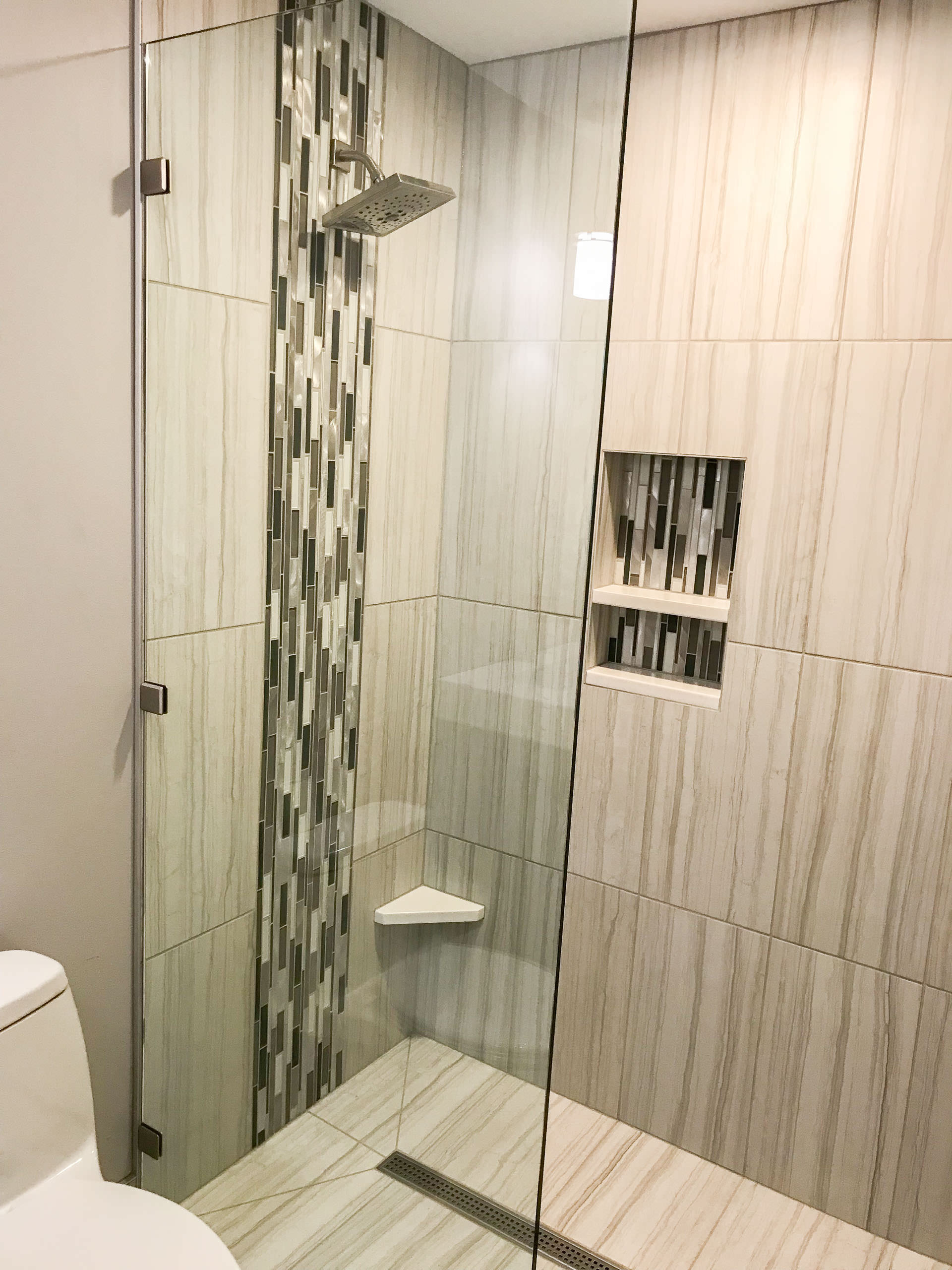 Contemporary shower 4-2560.JPG