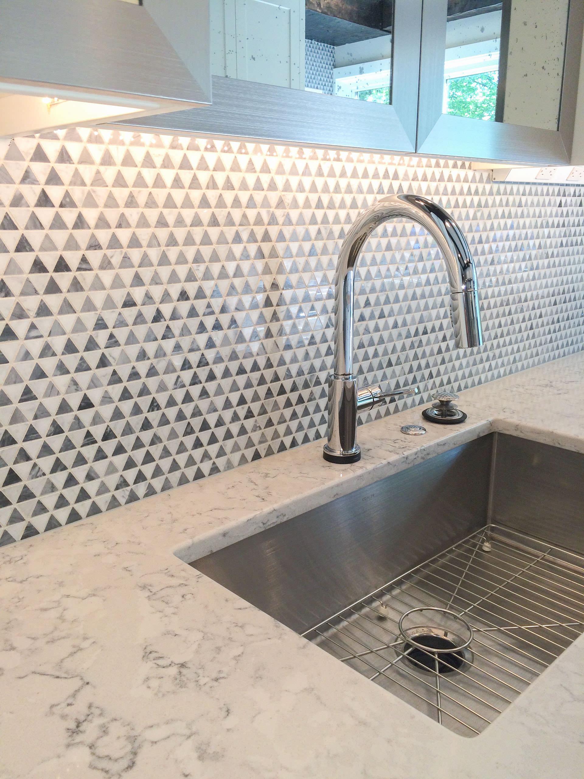 Contemporary kitchen 2-2560.JPG