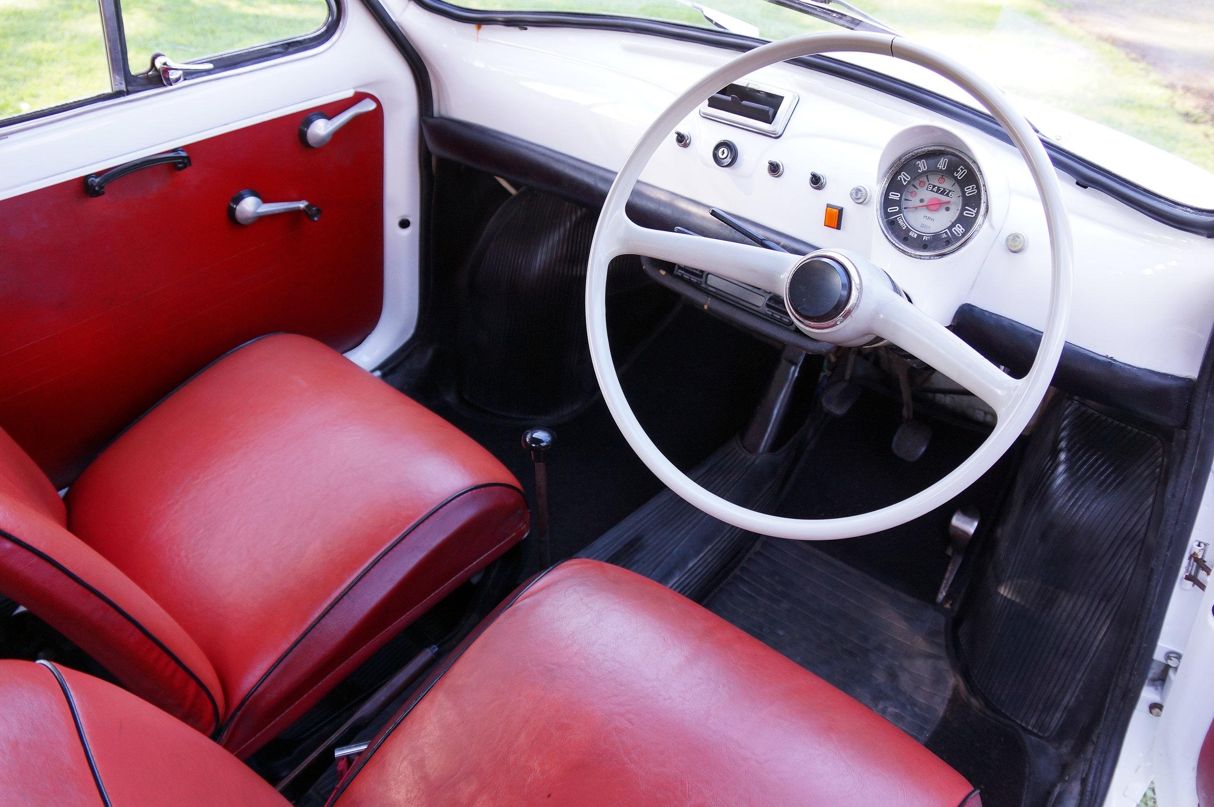 Fiat500_Interior.jpg