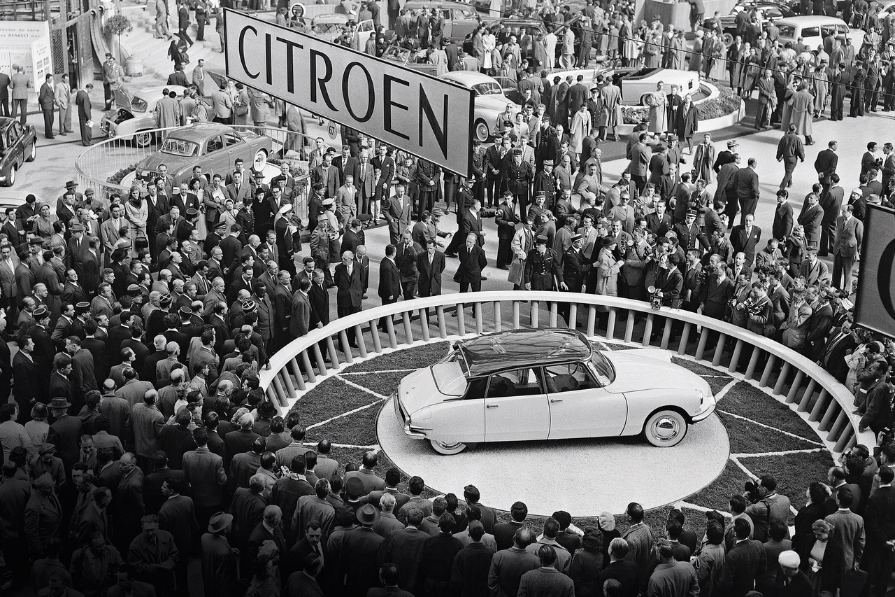 The Citroën DS at the 1955 Paris Motor Show