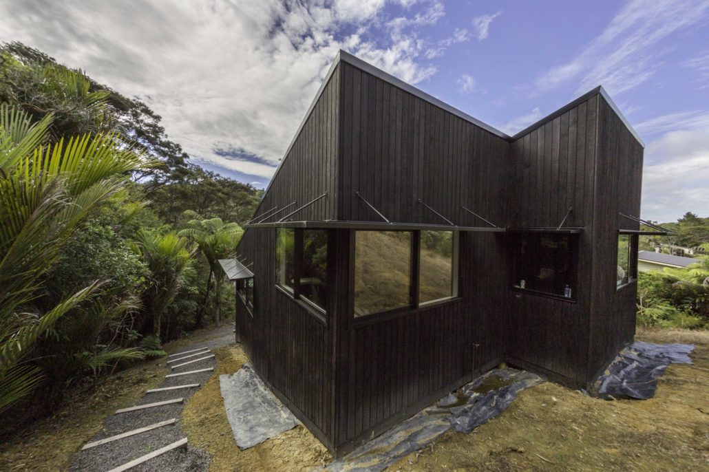 Titirangi - 3 level | Masonry and Timber Framing | New Build