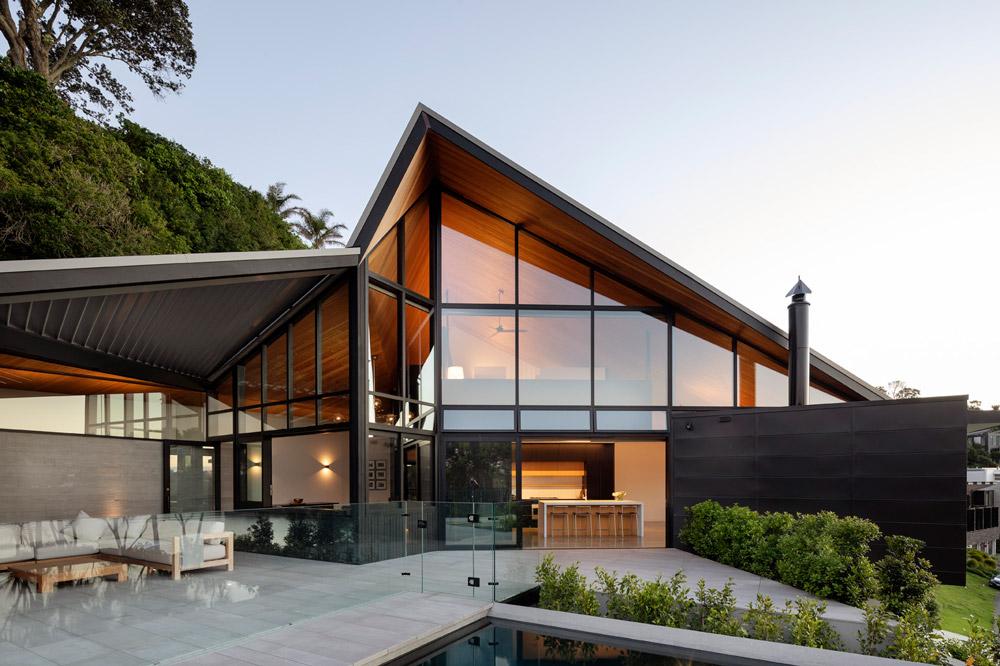 Remuera - Complex Architectural design | New BuildHorizon Swimming PoolPolished concrete floorsDuration: 18 monthsArchitect: Wendy Shacklock