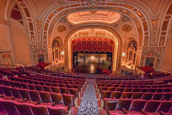 rialto-square-theatre.jpg