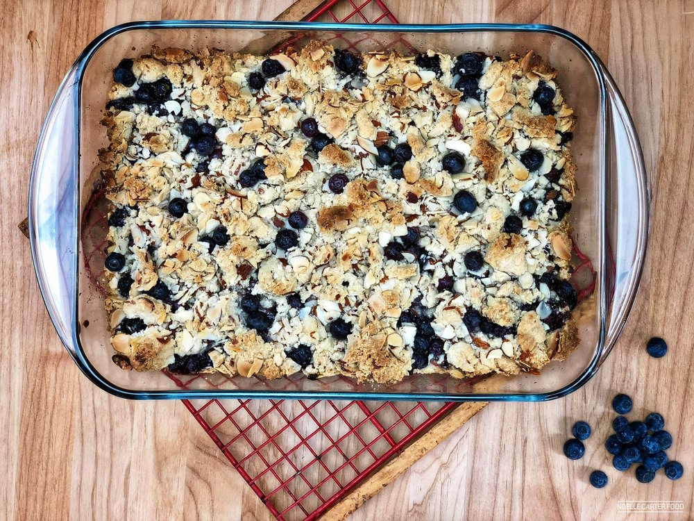 VEGAN BERRY BARS WITH STREUSEL TOPPING