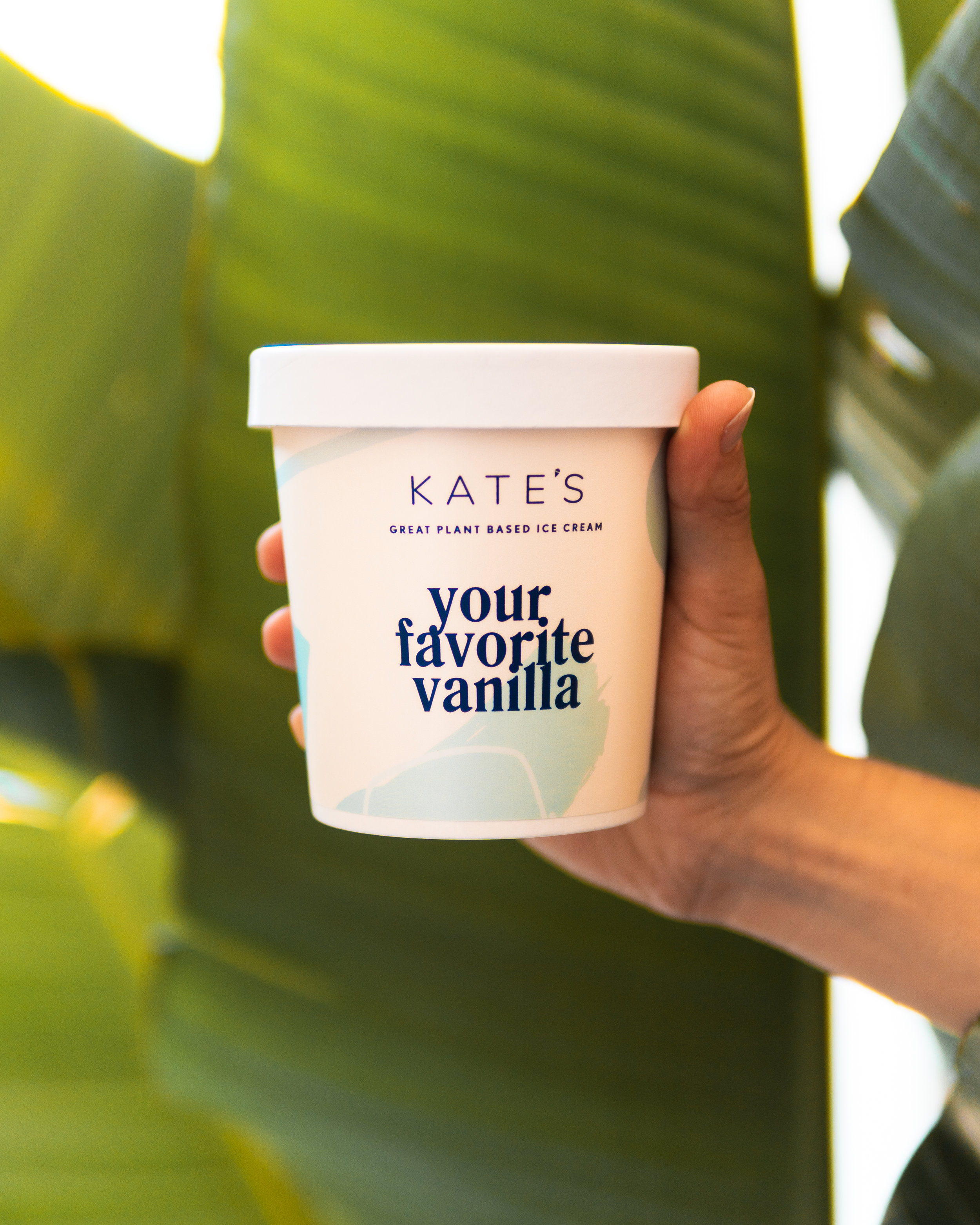 *coconut cream, cashew milk, *cane sugar, tapioca syrup, *vanilla extract, *olive oil, vanilla beans, sea salt, sunflower lecithin, nutritional yeast, guar gum.  contains: coconut, cashew  *organic ingredient