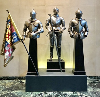 - The exhibit includes:A large North German field suit of armour made for the Court of Julius, Duke of Brunswick-Wolfenbuttel (circa 1562-1563) (center)A two-handed bearing sword of the Brunswick State Guard (dated 1574)Flanked on each side by two Milanese suits of armour, circa 1590