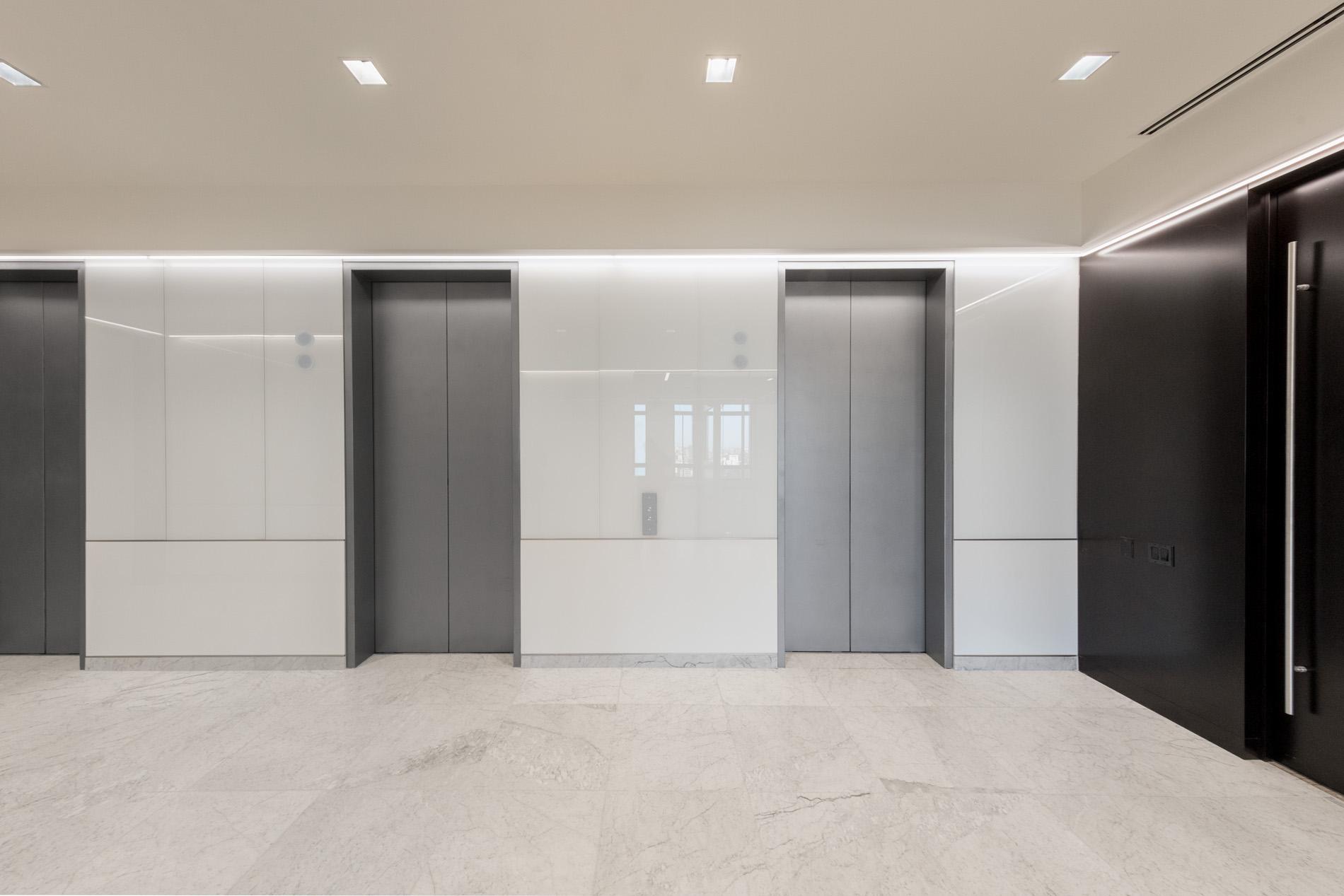 Floor 23 Elevator Corridor
