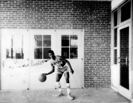 basketball_jamesblackmon_c1968_14557519502_o.jpg