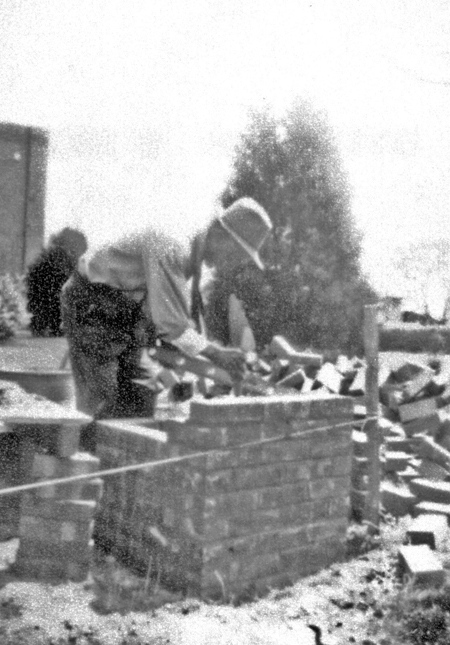 bricklaying_c1950s_14558365735_o.jpg