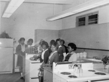 homeecstudents_c1950s_14558354435_o.jpg
