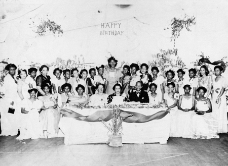 ladies_nlcannady_birthdayparty_c1950s_14558354005_o.jpg