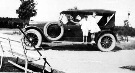 children_touringcar_1920s_14379689807_o.jpg