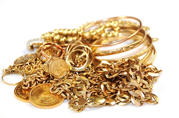 Trade in old gold - Bring your unused or broken gold jewellery and trade for credit or new pieces in-store. Offering better rates than the local gold refining mint (Perth Mint).