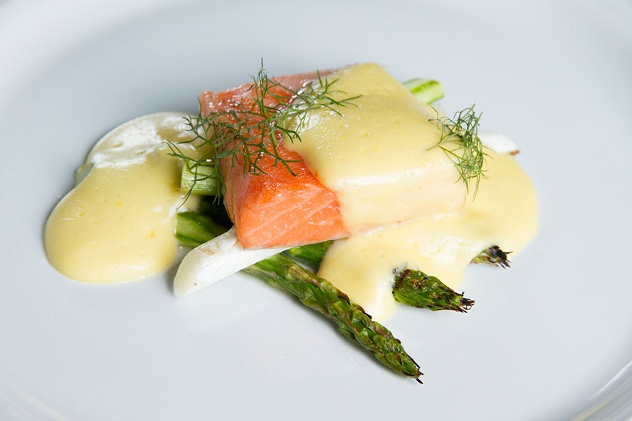 Trevor-Bird-Roasted-Salmon-Hollandaise-Asparagus-fixed.jpg