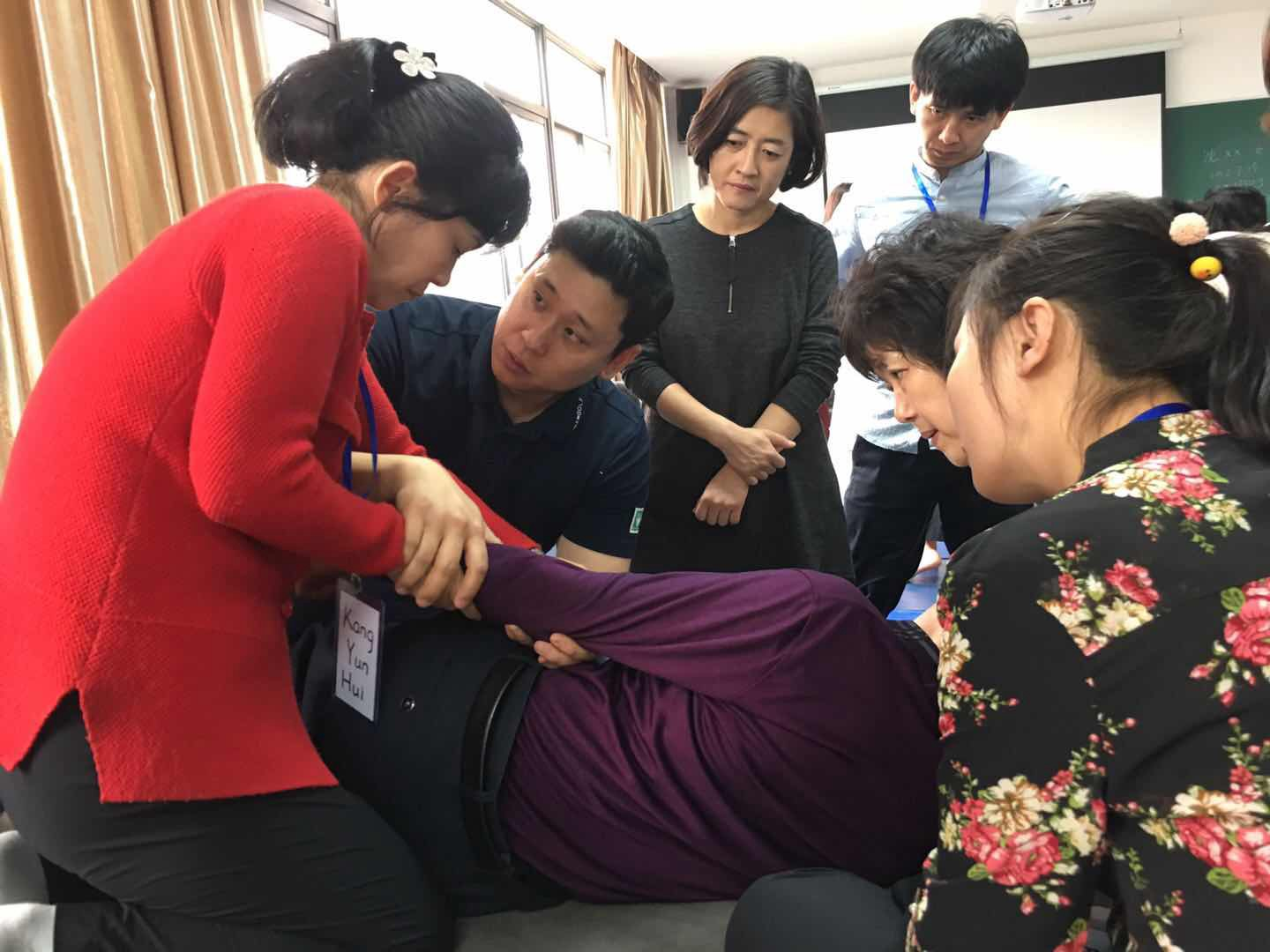 Hands-on Training in Bobath Therapy for North Korean Doctors