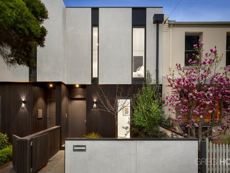 Port Melbourne 4 bed, 3 bath, 2 car, 360 degree rooftop views