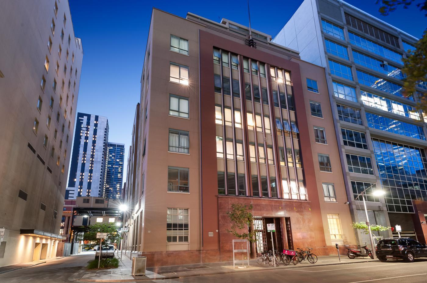 CBD Penthouse, 3 bed, 2 bath, 2 car