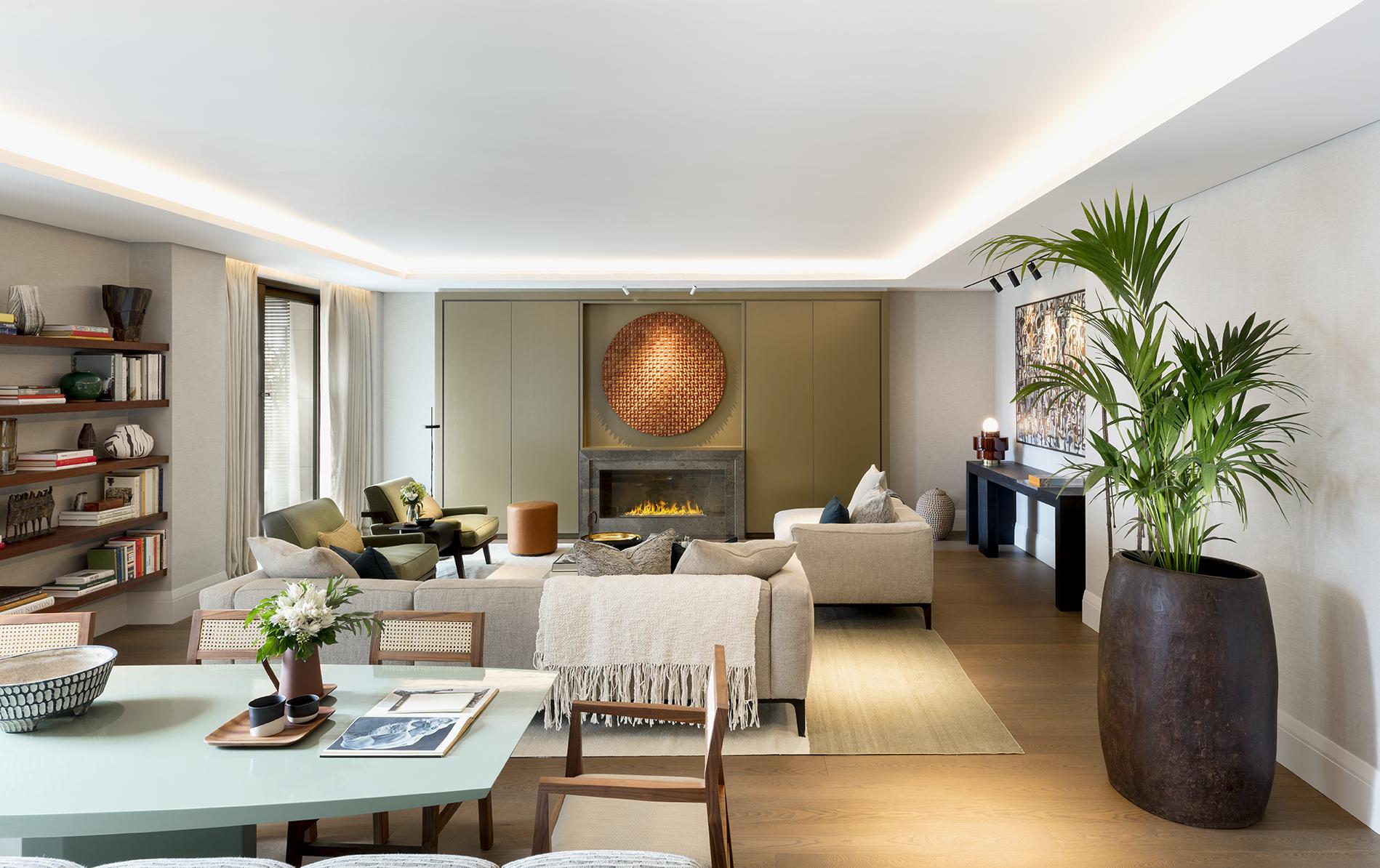 Holland Park Villas Apartment 11 (A301) Dining Room to Reception Room.jpg